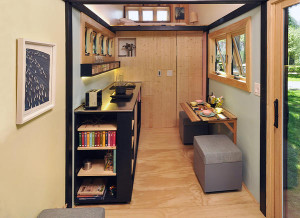 Toy box tiny home, la casa mobile